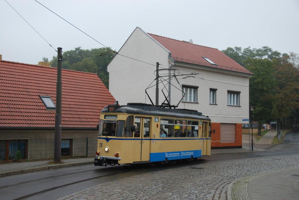 V ulicích Woltersdorfu jsou dvounápravové vozy Gotha k vidění doposud. (foto: Libor Hinčica)