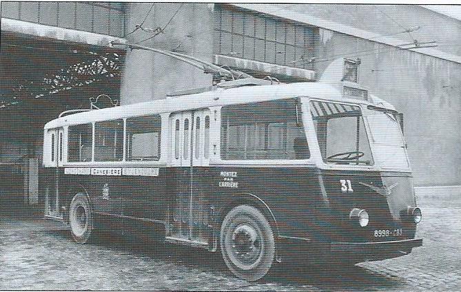 Typ CB 60 byl v zásadě s typem CS 60 podobný. Mechanická část u typu CB 60 byla od Berlietu, to však laik sotva poznal. Přední kola byla ovšem jiná a některé detaily na karoserii také. (foto: RATVM / archiv G. Mullera)