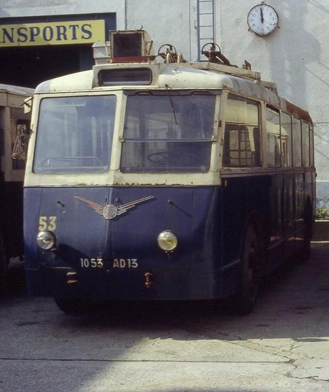 Na již poněkud starším snímku byl zachycen marseillský vůz typu CB 60 ev. č. 53, který je bez motoru a ve vlastnictví sdružení Amtuir. (foto: Amtuir)