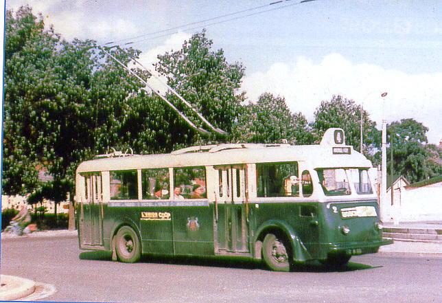 Amienský trolejbus typu CS 60. (foto:François Méyères / repro z časopisu Charge Utile, č. 102 / sbírka Christiana Buissona)