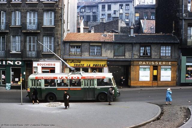 V Saint-Étienne byl roku 1961 vyfotografován vůz CS 60 ev. č13. Vůz byl uveden do provozu 9. dubna 1946. (foto: André Presle / sbírka Philippe Valla)