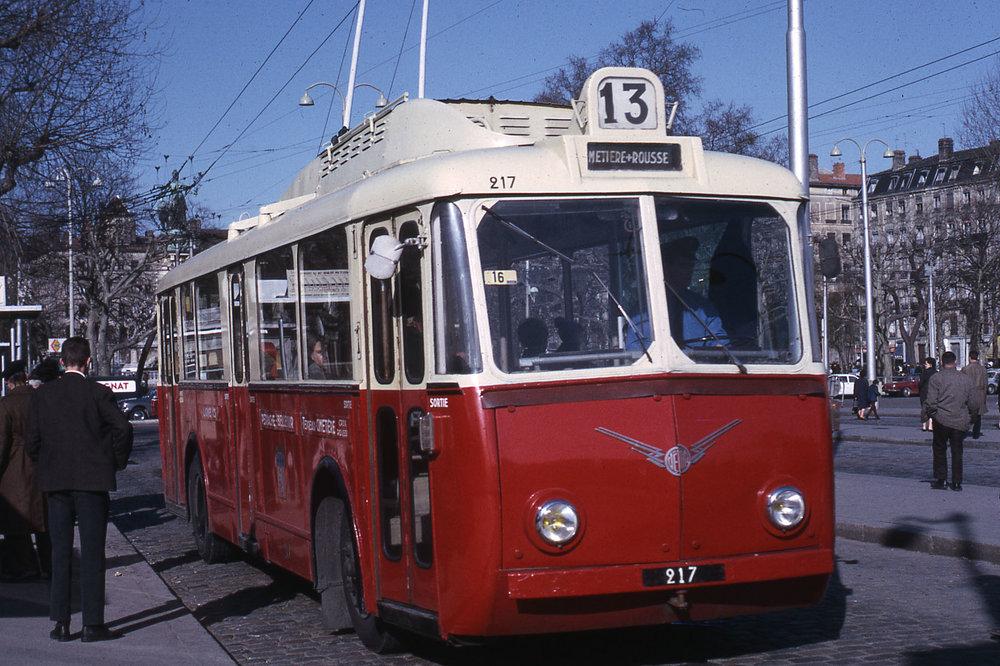 Vůz ev. č. 217 v Lyonu v roce 1967. (foto: Jean-Henri Manara)