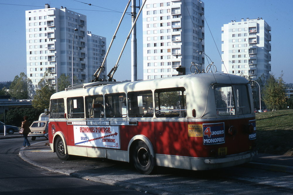 Snímek z roku 1972 s limožským vozem typu CB 60. (foto: Jean-Henri Manara)