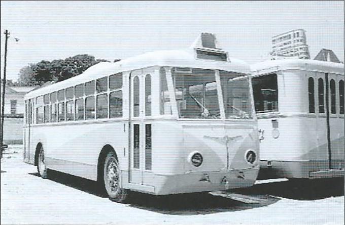 Roku 1957 se devítka vozů stěhovala z Niterói, kde byl pořízen tento snímek, do města Campos. (foto: archiv G. Mullera)
