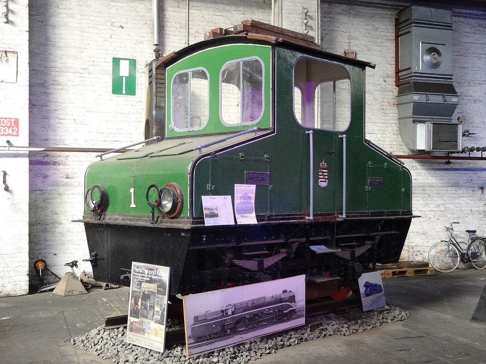 Motorový vůz číslo 2 s nesprávným ev. č. 1 v muzeu v Kasselu. (zdroj: Wikipedia.org)