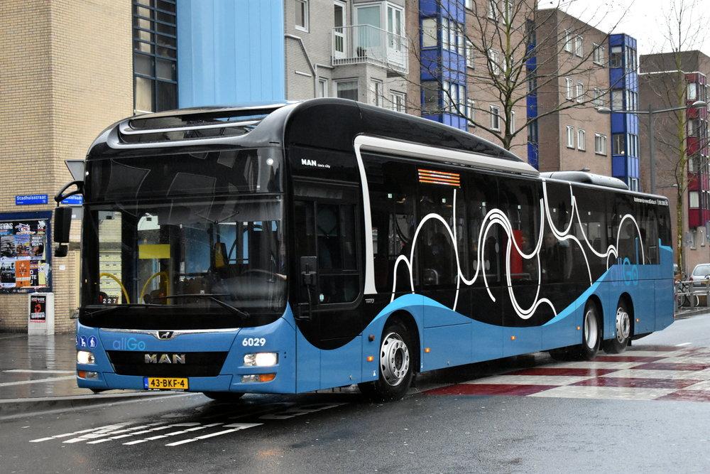 15m autobus MAN Lion's City. MAN zůstává jedním z mála producentů v Evropě, kteří autobus této délkové kategorie pro užití v MHD nabízejí. (foto: MAN Truck & Bus)