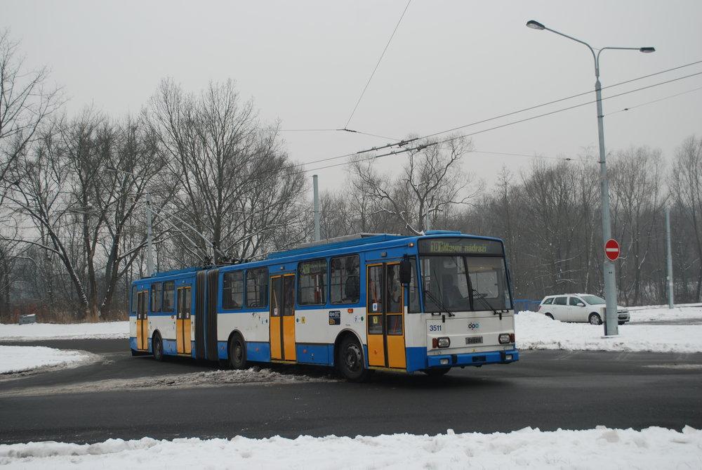 Trolejbus Škoda 15 Tr ev. č. 3511 by měl symbolicky v sobotu 3. 3. 2018 uzavřít kapitolu provozu těchto trolejbusů v Ostravě. (foto: Libor Hinčica)