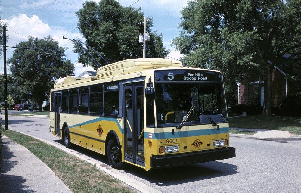 Trolejbus Škoda 14 TrE v americkém Daytonu. Na snímku je první prototyp, který byl zkompletován v ČR.(zdroj: Wikipedia.org)
