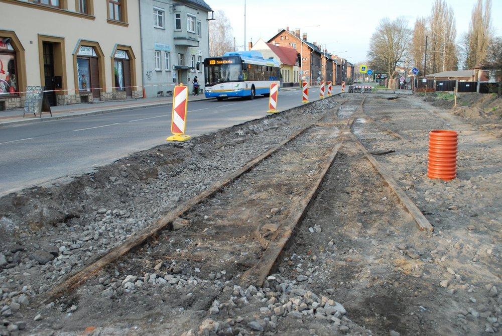 Výhybna sloužila provozu pravděpodobně od roku 1954 a umožnila zkrácení intervalu na trati v úseku mezi Svinovem a Porubou. (foto: Libor Hinčica)