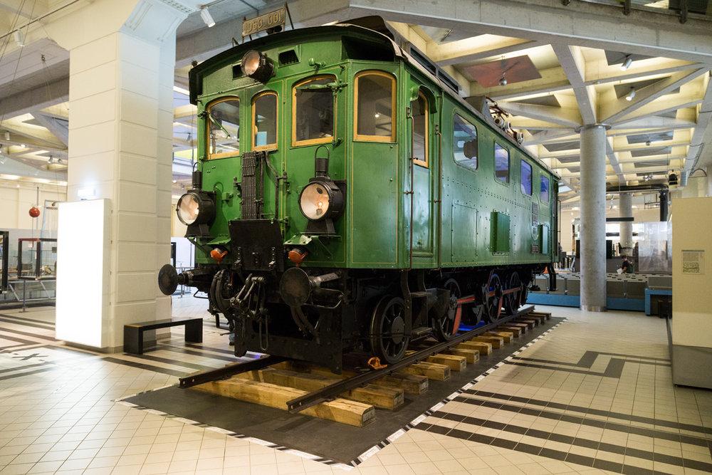 V zbierke Technického múzea Viedeň (Technisches Museum Wien - TMW) je aj lokomotíva 1060.001. Pôvodne bola vyrobená pre dráhu Mittenwaldbahn v roku 1912 spolu s ďalšími ôsmim lokomotívami (teda 1060.001 až 1060.009). V roku 1913 boli vyrobené ďalšie tri takéto lokomotívy (1060.010 až 1060.12) pre potreby diaľkovej dopravy Viedenskej električky, kde dostali evidenčné čísla Ewl 1 až Ewl 3. Do dnešných dní sa zo všetkých vyrobených lokomotív tohto typu zachoval už len tento jediný exemplár. (Foto: Braňo Bibel)