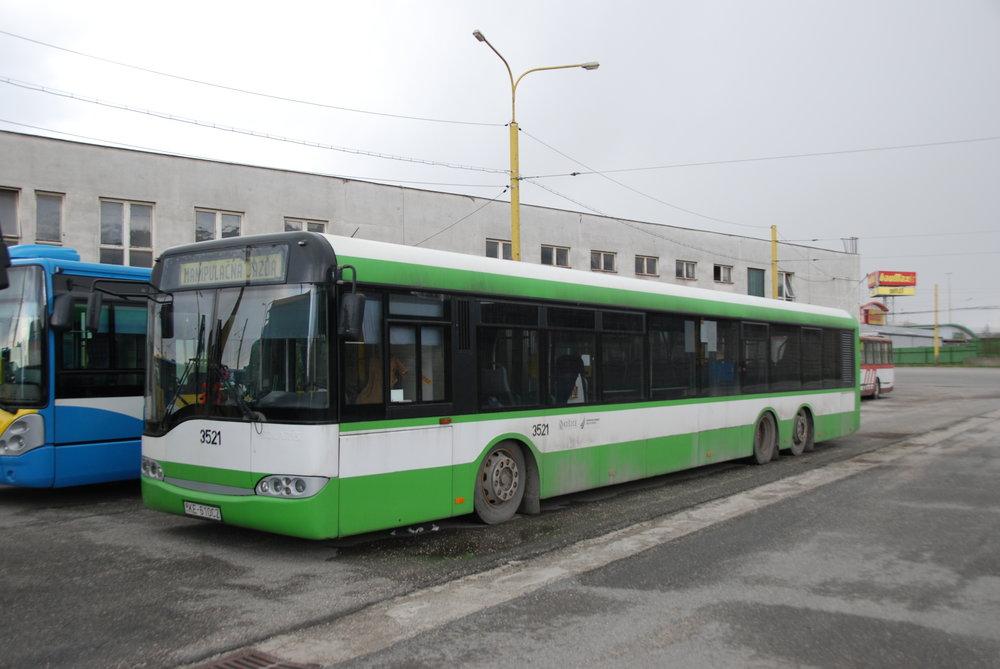 Autobusy od Solarisu nejsou v Košicích novinkou. První zde byl dodán již v roce 2000 a celkem jich východoslovenská metropole odebrala 41, z toho 35 v délce 15 m (jeden z těchto vozů byl ve verzi na CNG), dále 3 vozy Urbino 12 a 3 autobusy Urbino 18. (foto: Libor Hinčica)