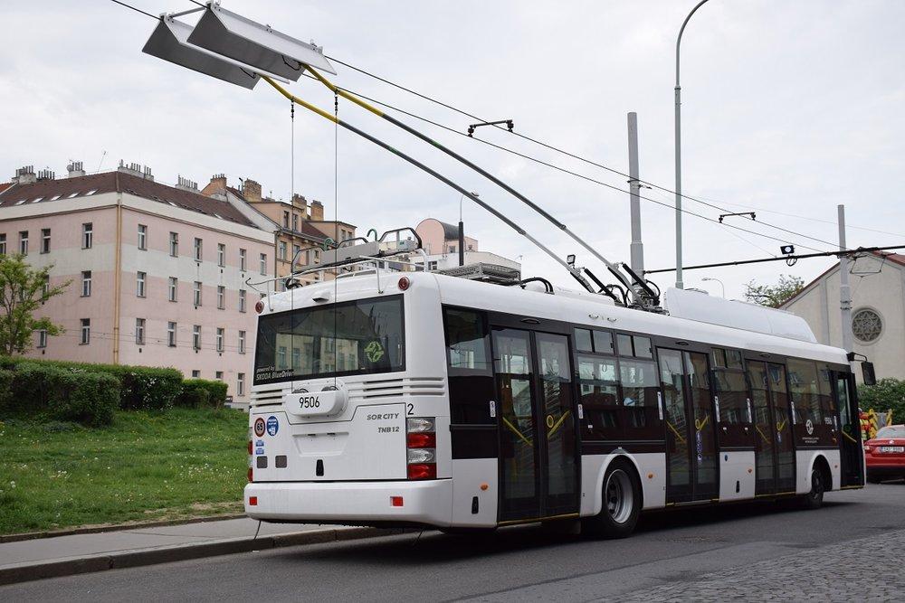 Druhý pražský trolejbus - Škoda 30 Tr ev. č. 9506. (foto: DPP; Petr Ludvíček)
