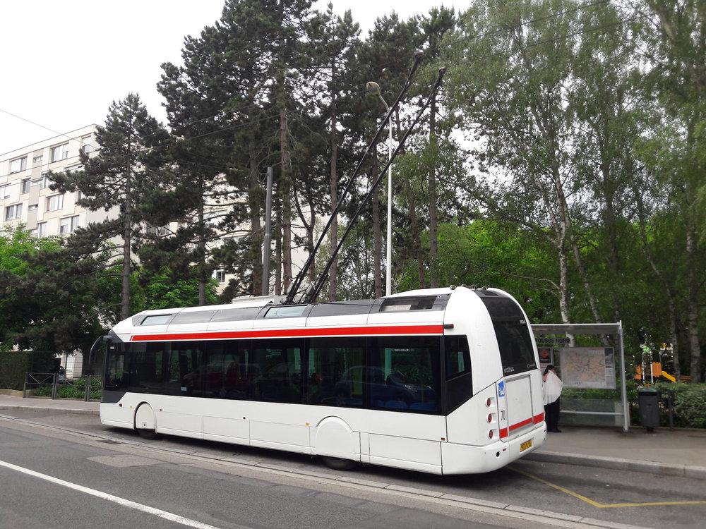 Trolejbus na konečnéCroix-Rousse—Nord.