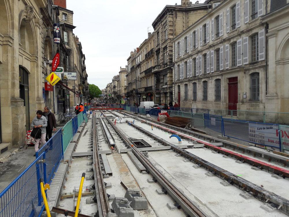 Stavba nové trati u náměstí Quinconces dne 15. května 2018.