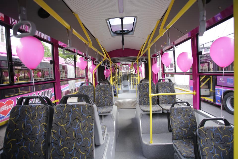 Trolejbus bude pro vozíčkáře velkou pomocí a sezení v něm také jistě špatné nebude.(foto: město Kremenčuk)