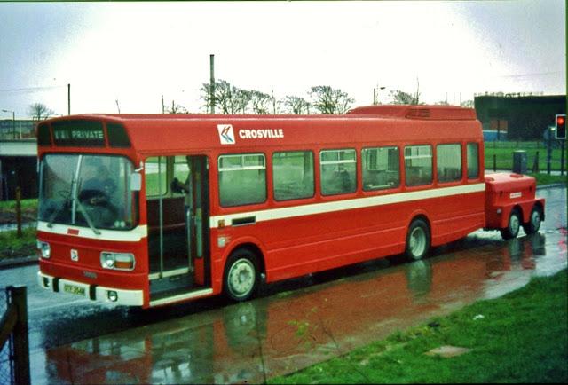 Autobus Leyland National s bateriovým přívěsem. Nejednalo se o jediné elektrické vozidlo, které bylo roku 1978 v Sheffieldu představeno, kromě toho byl představen například Silent Rider, což byl klasický elektrobus s tehdy propagovanými chloridovými bateriemi.(foto: Rob McCaffery)