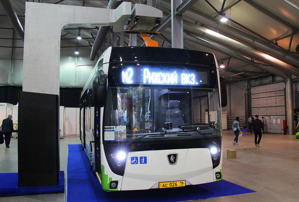 Elektrobus KAMAZ-6282 se na veletrhu představil také, premiéru si však odbyl už o rok dříve. (foto: Nikita Lapin)