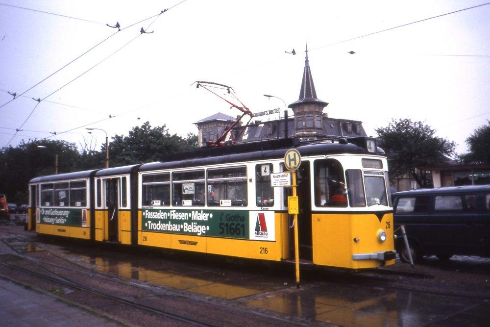 Vůz G 4 ev. č. 216 byl vyfocen v roce 1991 na Thüringerwaldbahn. (foto: Sludge G, zdroj: Wikipedia.org)
