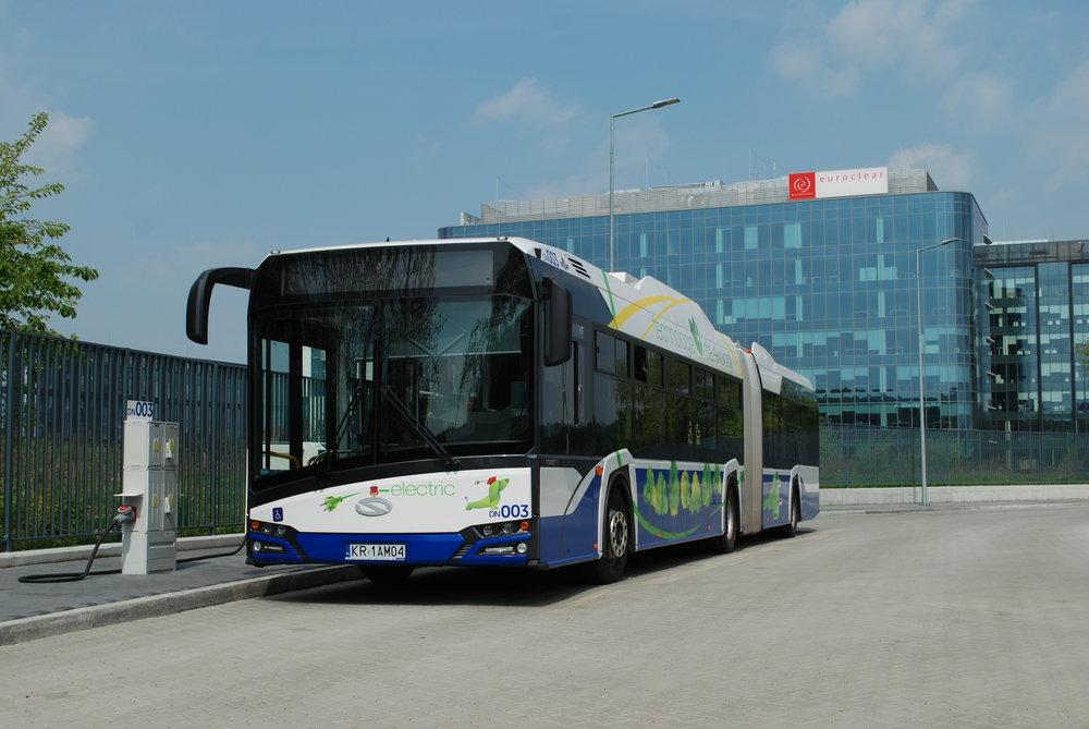 18m elektrobus Solaris Urbino 18 electric v polském Krakově. (foto: Libor Hinčica)