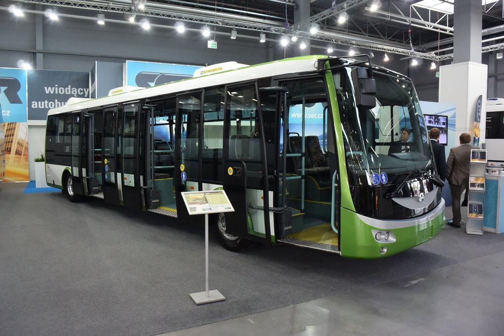 Elektrobus SOR EBN 11 na veletrhu v polských Kielcích v roce 2014. (zdroj: Wikipedia.org)