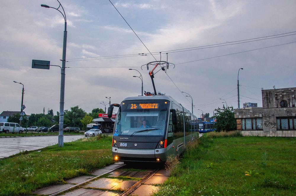 Vůz typu T5B64 ev. č. 808 dorazil do Kyjeva v květnu 2018. (foto: Levis)