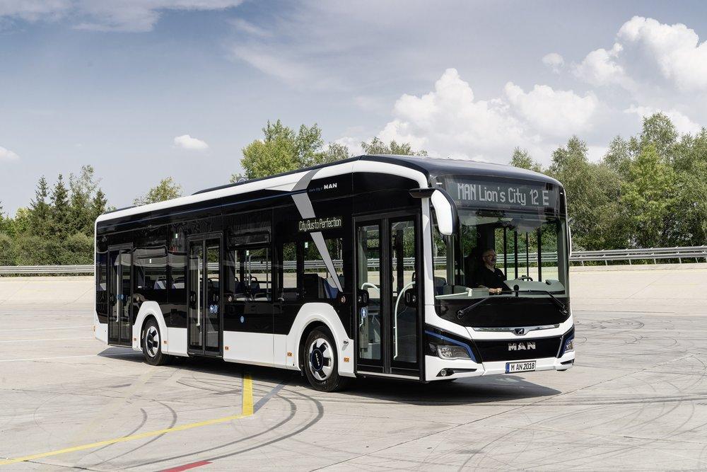 Elektrobus MAN Lion's City 12 E na propagační fotografii výrobce. (foto: MAN Truck & Bus)