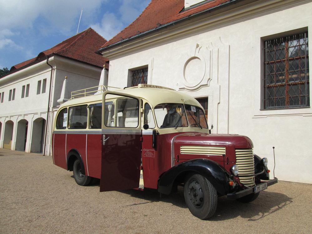 Autobus Praga RND z roku 1948 od pana Františka Hlavatého, který bude vozit cestující v Opavě v rámci rozloučení s trolejbusy Škoda 14 Tr. (foto: Ondřej Opršal)