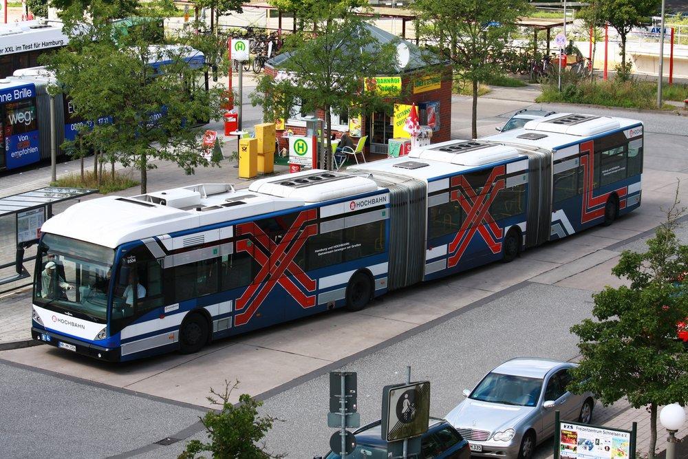 Tříčlánkové vozy AGG 300 jsou v Hamburku už minulostí. (zdroj: Wikipedia.org)