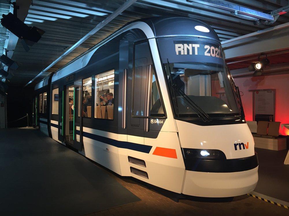Tramvaj Škoda ForCity Smart pro RNV. (foto: Libor Hinčica)