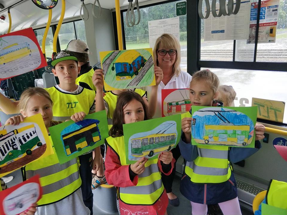 TLT má jen 21 vozidel, ale propagaci trolejbusové dopravy věnuje značné množství úsilí i času. Mj. téměř každý měsíc otevírá své brány dětem a pořádá pro ně různé zábavně-vzdělávací akce. (foto: TLT)