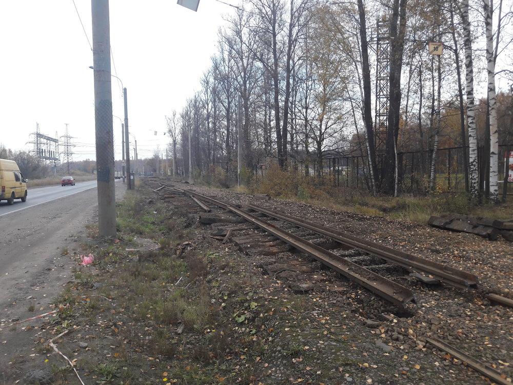 Na konci září začaly být trhány koleje ve směru za smyčkou ulica Kommuny. Linka č. 30 pokračující na konečnou Rževka byla zrušena.