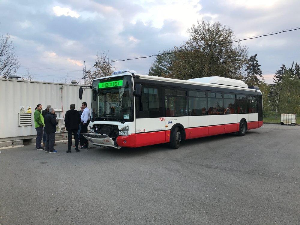 """Autobusu Urbanway 12m CNG (Natural Power) ev. č. 7085 je vyčleněn jako jediný pro testování """"nového"""" druhu paliva. (foto: DPMB)"""