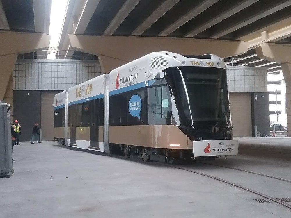 Jedna tramvaj vycházela na více než 100 mil. Kč. (zdroj: Wikipedia.org)