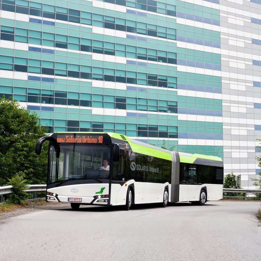 Autobus Solaris Urbino 18 na propagačním snímku výrobce. (foto: Solaris Bus & Coach)