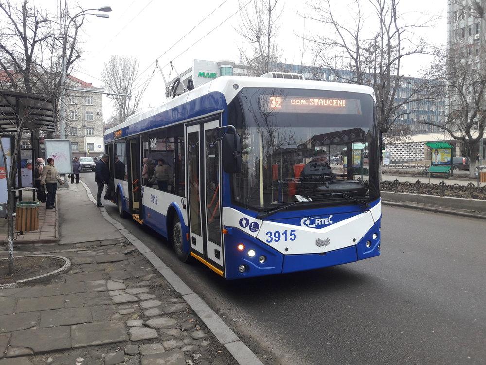 Parciální trolejbus ev. č. 3915 dne 2. ledna 2019 v Kišiněvu.