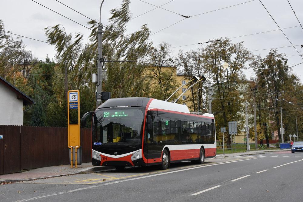 Prototyp trolejbusu Škoda 32 Tr v Opavě. (foto: Libor Hinčica)