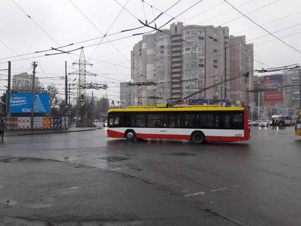 Trolejbus BKM 321 na jihu města.