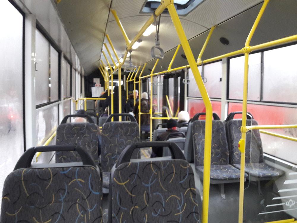 Interiér v novějších oděských trolejbusech zatím vypadá celkem dobře. Jak ale ukazují zkušenosti z mnoha jiných ukrajinských měst, dlouho se jej v pěkném stavu nedaří udržet. Dopadnou i oděská vozidla stejně, nebo jim budou věnovat větší péči?
