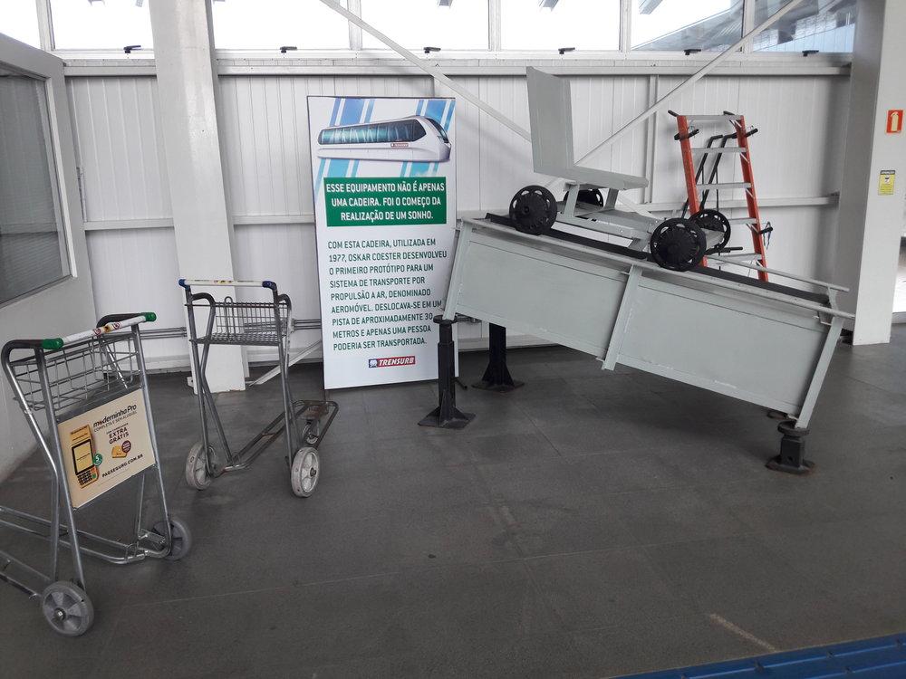 Coesterův model z roku 1977 je vystaven ve stanici Terminal 1.