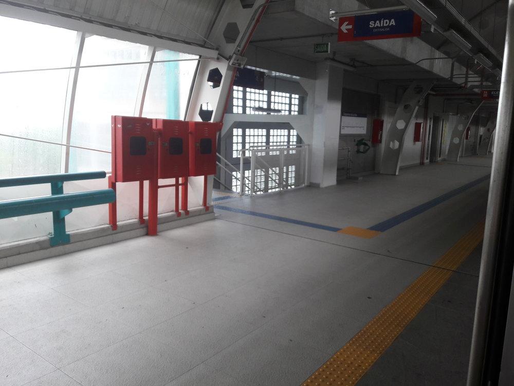 Nové stanice ze severního úseku jsou si velmi podobné.