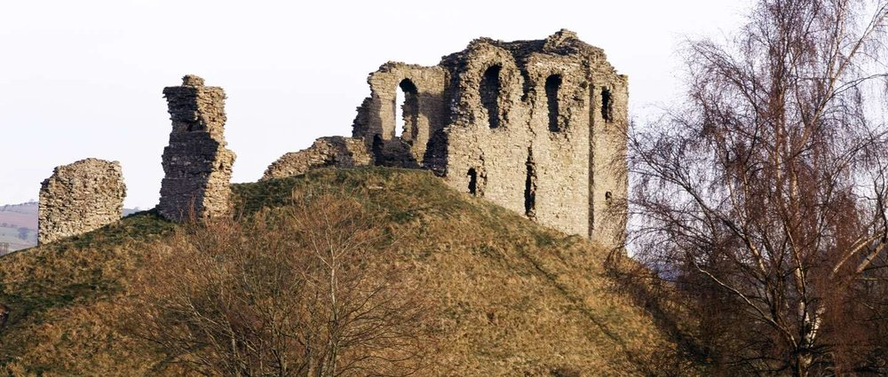 Clun-castle-close-hero.jpg