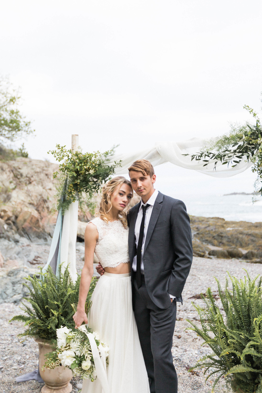 forty-steps-beach-nahant-wedding-ghislaine-ruiz-esme-isolde-boston-wedding-photo