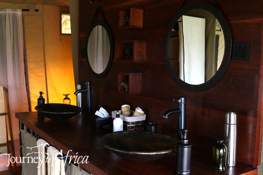 Kiota Camp - Bath details.jpg