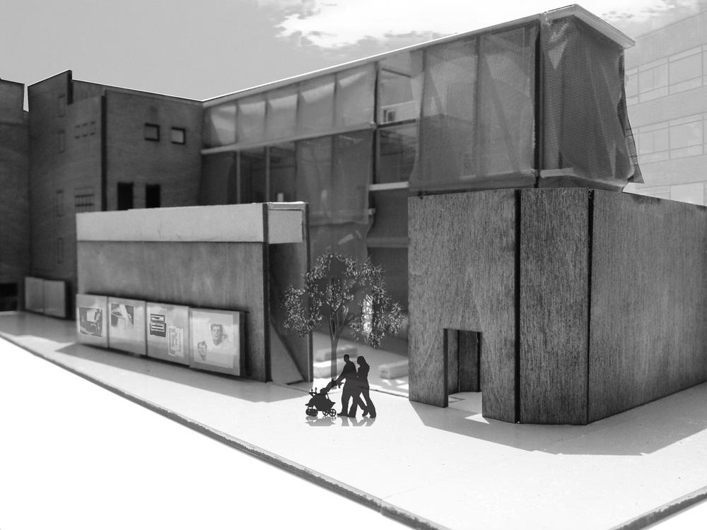 ASTA THEATER, KUNST CENTRUM HEDEN | 2012 |  OPDRACHT Heden Heden onderzoekt de mogelijkheid van een nieuwe beleving van beeldende kunst en van een nieuw type kunst-centrum (Heden Huis) dat nadrukkelijk de dialoog zoekt met de stad, haar dynamiek en haar inwoners. Dit nieuwe kunstcentrum Heden Huis brengt alle activiteiten van de drie huidige locaties van Heden samen: verhuur en verkoop, presentaties, residenties, educatie en informatie.  Met Heden Huis wil Heden een hoog-stedelijke en laagdrempelige plek creëren waar de dynamiek van de stad tot diep in het gebouw door kan dringen, waar ruimte is voor het ongeplande en het onverwachte en waar uitwisseling en interactie mensen kan verbinden; met elkaar en met de stad.   Eindexamenkandidaten VT 4  ontwierpen een nieuw kunstcentrum voor Heden, waarbij zij zelf de locatie mochten bepalen in de binnenstad van Den Haag.  KEUZE LOCATIE Ik heb gekozen voor het oude Asta Theater aan het Spui. Dankzij de nu verborgen open ruimte achter het gebouw bestond er een mogelijkheid om een nieuwe straat te creëren, waarmee ik de stad en Heden verbind.  Het oude theater is een herkenbaar stadsgezicht en heeft het een rijke historie welke ik wilde behouden. In het ontwerp maak ik gebruik van en refereer ik terug aan de oude structuur van het Asta Theater. Om Heden toegankelijker te maken heb ik het oude Atrium van het Asta Theater omgezet tot een openbaar plein dat als een stadsinterieur gaat fungeren. Heden zal naast haar eigen klanten óók te maken krijgen met toevallige passanten en de bezoekers van het plein. Achter de nieuwe gevel bevindt zich de kunstroute van Heden.   Studio Buijs werkt voor   particuliere en zakelijke opdrachtgevers.      In 2014 heb ik, Melanie Buijs, na ruim twaalf jaar werkervaring deze studio opgezet.     Studio Buijs onderscheidt zich door de persoonlijke betrokkenheid van mij naar de opdrachtgever en van mij naar de uitvoerende partijen. Elk project is uniek en vraagt daarom om een specifieke aanpak. De inbr