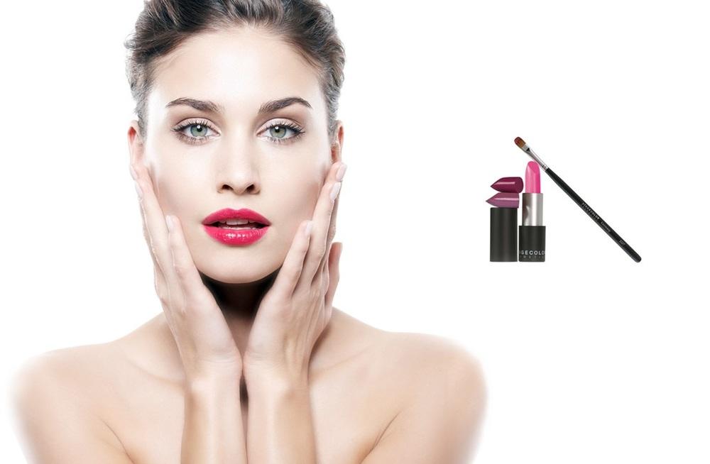 lips      GEPFLEGTE, ELEGANT GESCHMINKTE LIPPEN – EINE EINZIGE VERSUCHUNG.     Facettenreiche Farben, raffinierte Effekte und innovative Pflege verbinden sich zu professionellen Rezepturen für das perfekte Lippen-Make-up: lang anhaltend und absolut wandelbar. Von dezent bis akzentuiert.  STAGECOLOR Lip Make-up – für perfekt geschminkte, samtig weiche Lippen. Bewusste Schönheitspflege, von den Lippen abzulesen.
