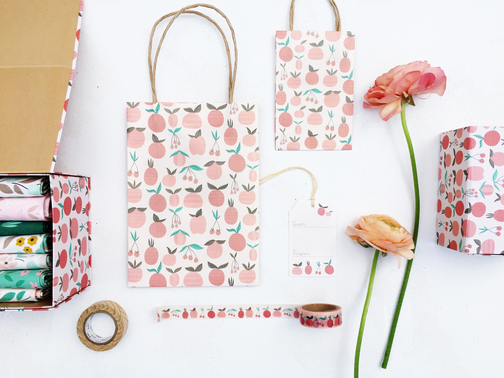 Peachy gift bags, folding boxes and washi