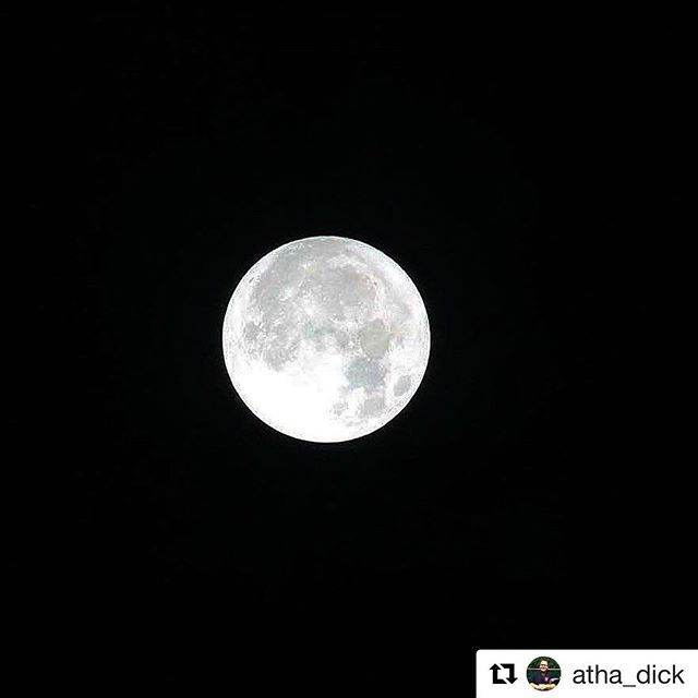 Beautiful Supermoon seen in Yalis by @atha_dick  #supermoon #yalis #alertbaybc