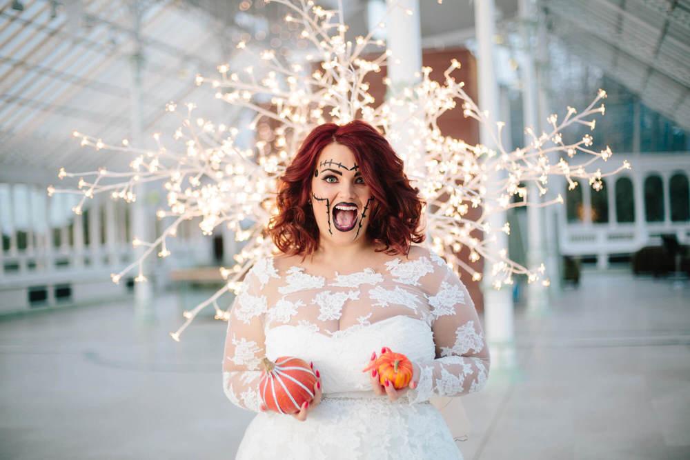 ISLA GLADSTONE WEDDING PHOTOGRAPHER STEPHEN MCGOWAN HALLOWEEN BLOG 001