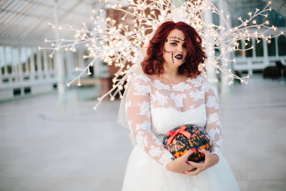 ISLA GLADSTONE WEDDING PHOTOGRAPHER STEPHEN MCGOWAN HALLOWEEN BLOG 002