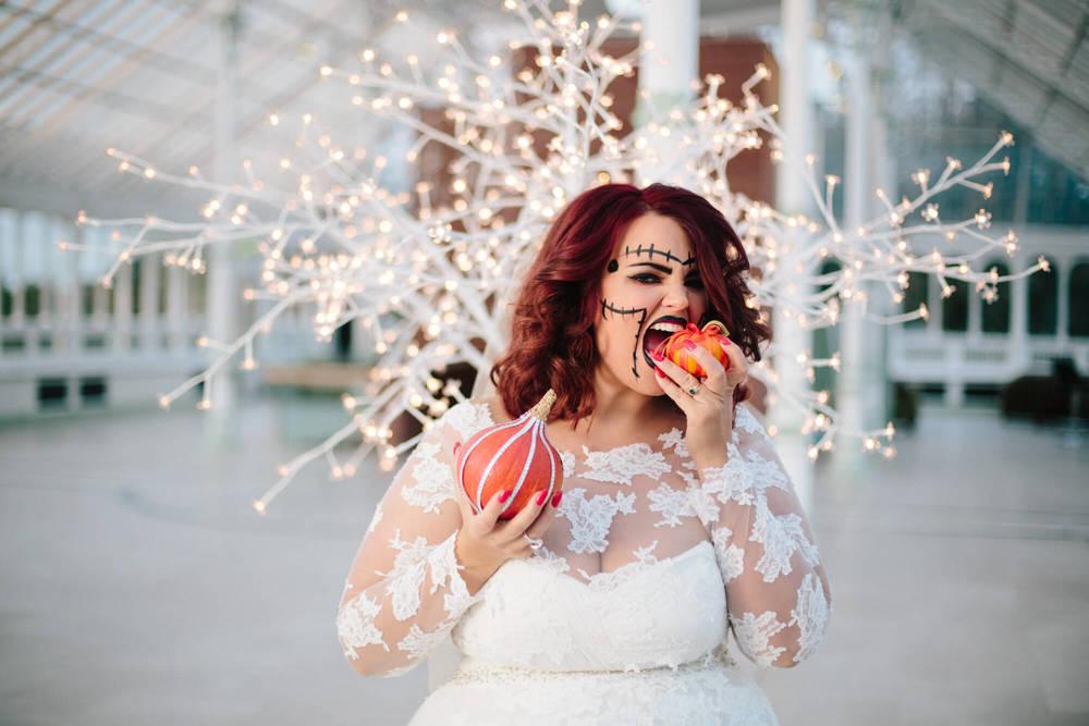 ISLA GLADSTONE WEDDING PHOTOGRAPHER STEPHEN MCGOWAN HALLOWEEN BLOG 004